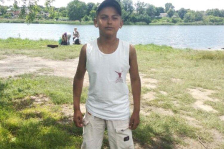 «З невідомих причин помер мій синок»: медики не змогли врятувати хлопчика, якому стало погано у таборі (Фото)