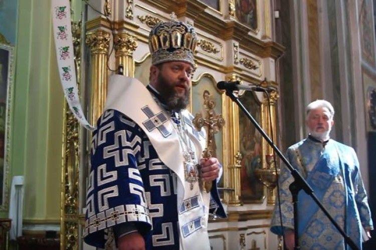 Митрополит Луцький і Волинський закликав святити дві паски – аби одну залишити в храмі (фото)