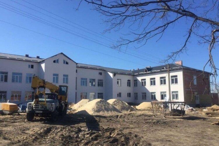 У селі на Волині будують школу за 55 мільйонів гривень (Фото)
