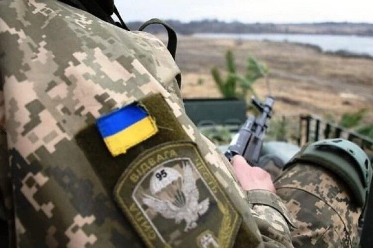 Російські окупанти обстріляли і вивели з ладу щоглу із камерою ОБСЄ