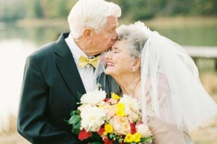Торік на Рівненщині «повторно» одружилися 38 пар, на Волині – 22