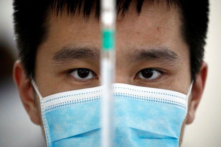 Китай стверджує, що пандемію коронавірусу викликали окремі спалахи захворювання в різних місцях по всьому світу