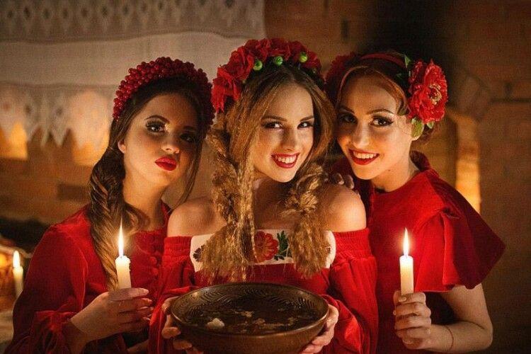 У ПЦУ назвали грішницями дівчат, які ворожать на Андрія
