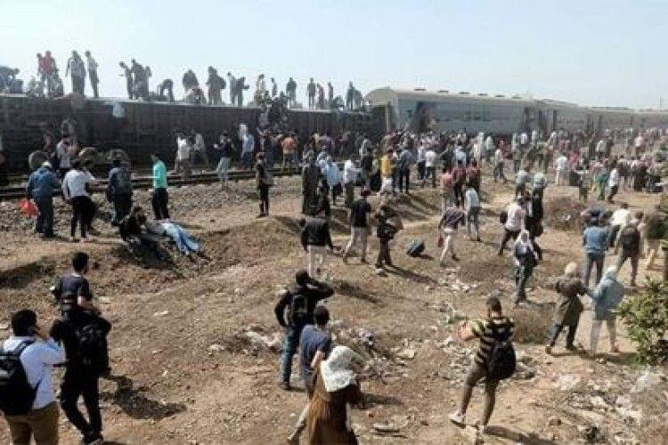 В Єгипті поїзд зійшов з рейок: травмовано близько сотні людей