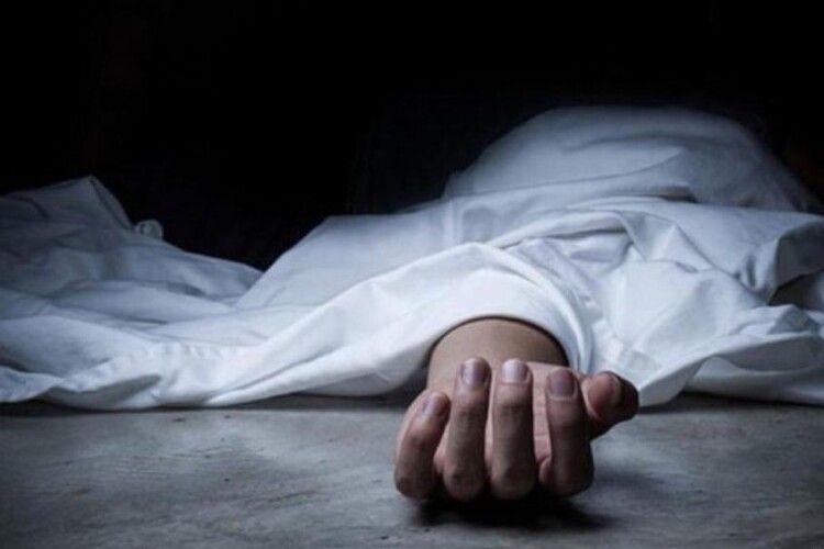 На Рівненщині у підвалі знайшли труп чоловіка