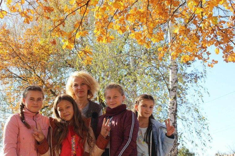 Любязівські юннатки та юннати гайнули на екскурсію до осіннього лісу (фото)