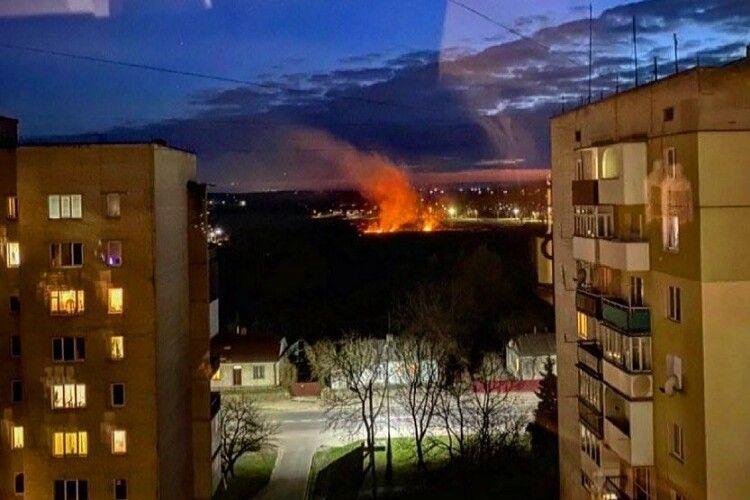 У місті на Волині невідомі влаштували нічну пожежу