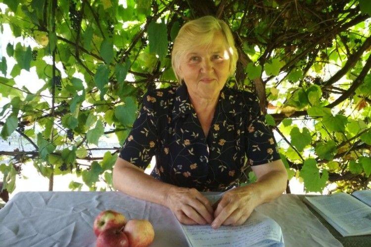 Любов Корольчук, жителька Оконська і колишній сільський голова, переповіла про те, як німці вели людей на розстріл.