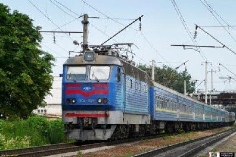 На двох станціях скасували посадку на ковельські поїзди