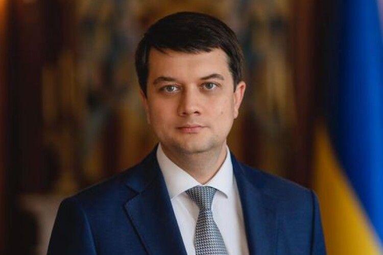 Разумков проголосував на виборах, але участі в опитуванні Зеленського не взяв
