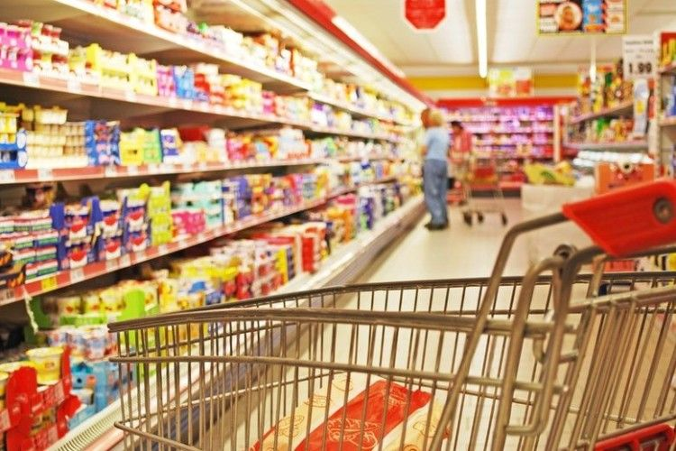 У Польщі заборонили шопінг у неділю