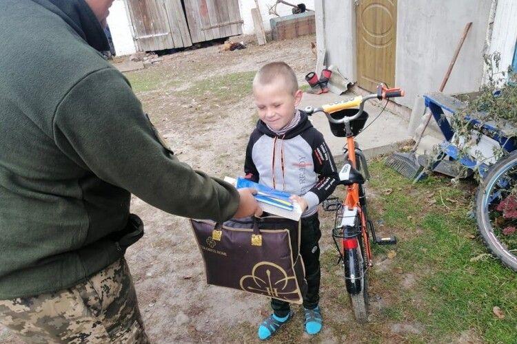 У День захисника військові провідали діток, чиї батьки віддали життя за Україну (Фото)