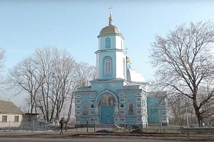 Суд зняв арешт ізприміщення церкви