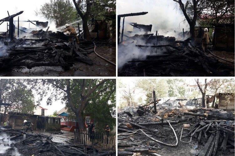 На Рівненщині дотла згоріла клуня і 2 тонни соломи