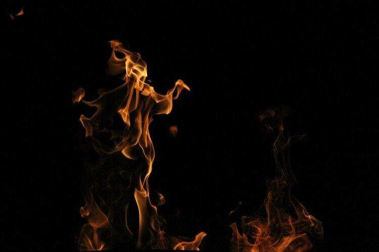 На Волині сталася пожежа, постраждала жінка