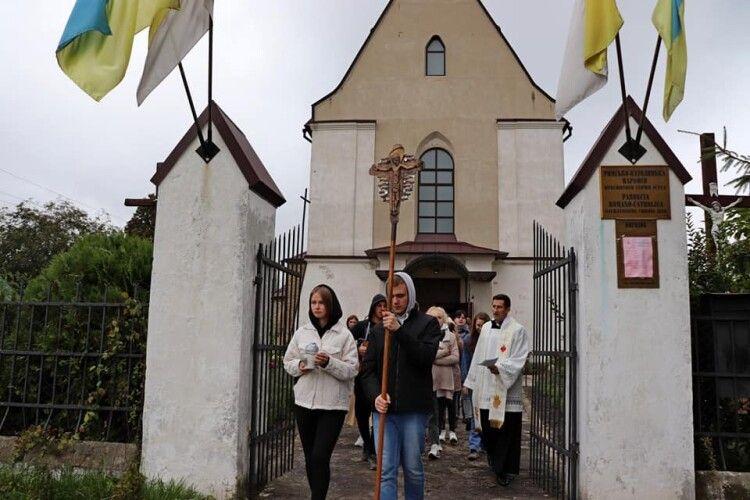 У церкві на Волині говорили про смерть, віру і «зручний диван» (Фото)