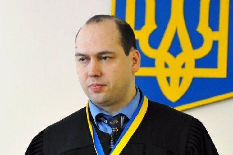 Запобіжний захід Порошенку у Печерському суді обиратиме суддя Вовк