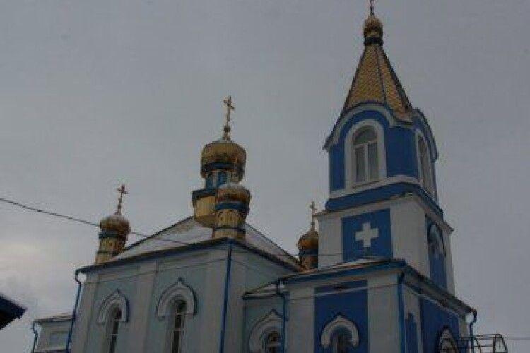 У волинському селі освятили нові куполи однієї з найдавніших церков України