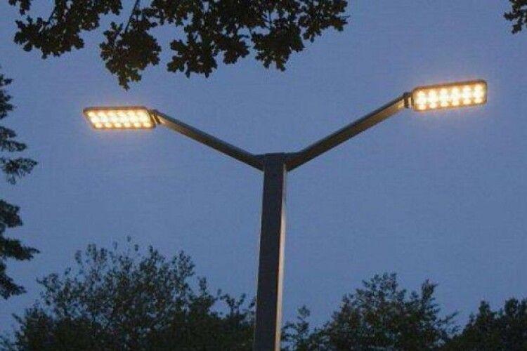 В одному з мікрорайонів Луцька замінять вуличне освітлення