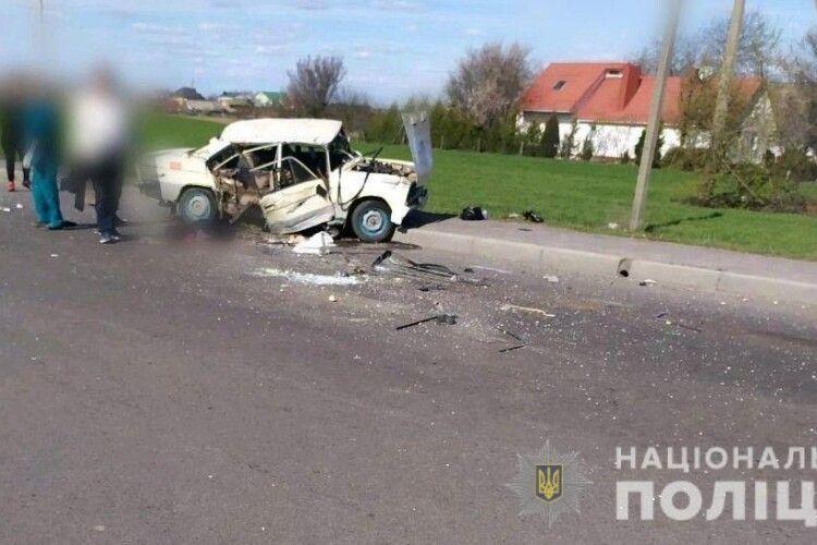 На Рівненщині внаслідок зіткнення «BMW» та «Жигуля» загинуло семимісячне немовля
