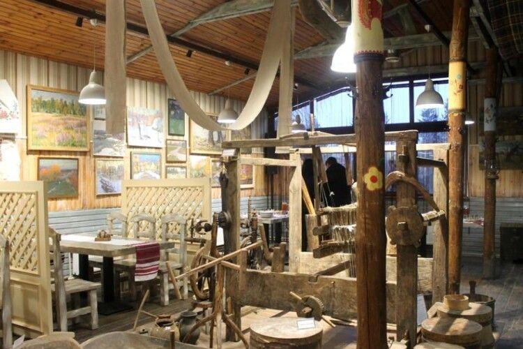 Скуштувати страв поліської кухні можна в луцькому ресторані-музеї (Фото)