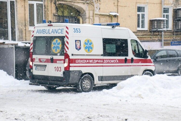 «Кричала від болю»: на Рівненщині жінку знайшли у власному будинку з обмороженими ногами