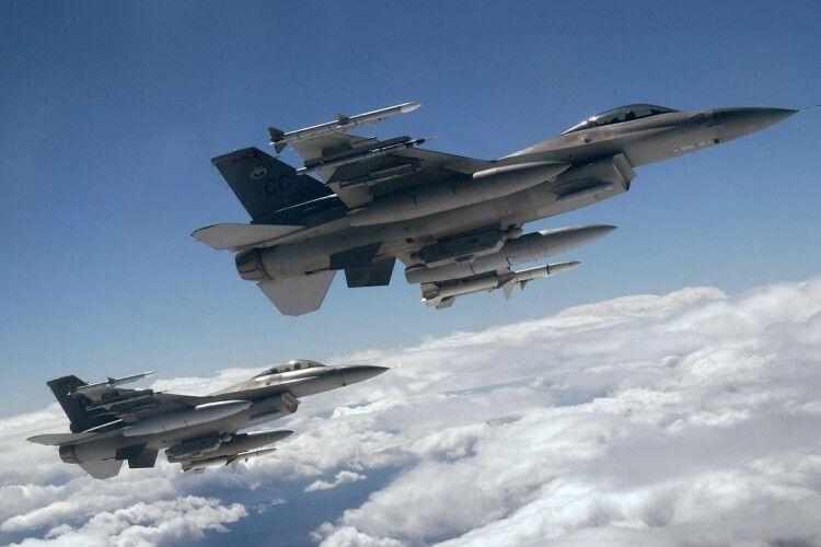 Протягом року ВПС НАТО 350 разів перехоплювали російські військові літаки