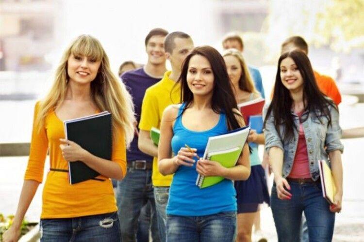 Луцьке студентство вимагає від міськради створити студентську поліклініку