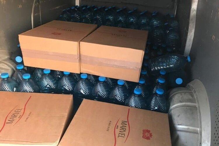 На Волині прикордонники виявили контрафактні сигарети та тонну спирту