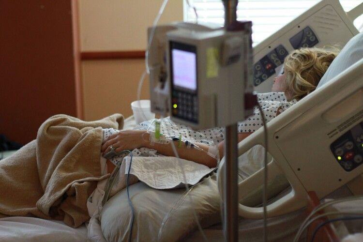 Волинська співачка – у реанімації з коронавірусом, потрібна допомога (Фото)