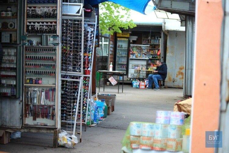 На ринку в Нововолинську запрацювали промислові ряди