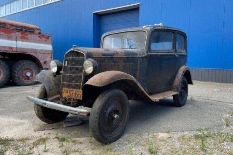 Німецький трофей ще на ходу: в сараї знайшли автомобіль часів Другої світової