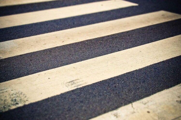 На Волині на пішохідному переході збили 22-річного хлопця (Фото)