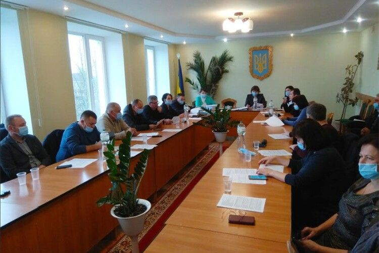 Подякували за райцентр у Камені-Каширському: почесним громадянином міста депутати зробили професора Малиновського