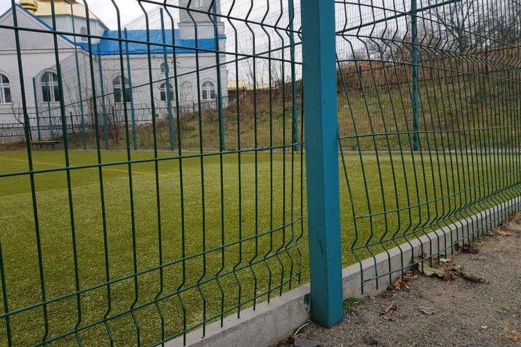 У Ківерцівському парку відремонтували спортивний майданчик, пошкоджений вандалами