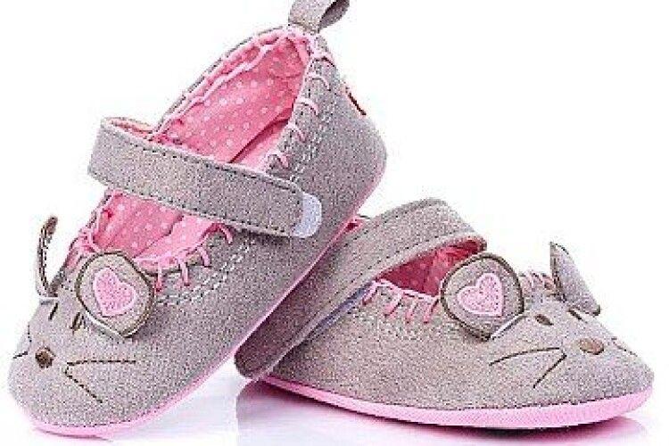 Обираємо перші черевички