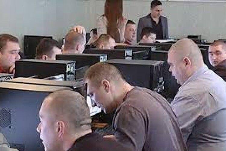 Рівненські поліцейські -- на іспит