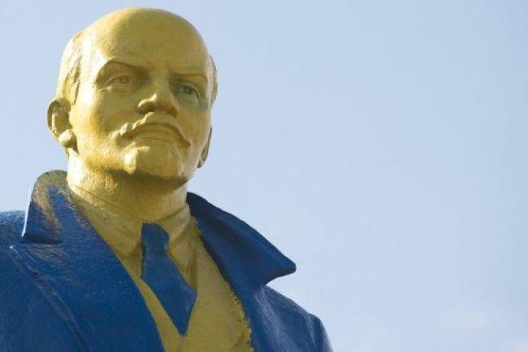 Кремль закликає Україну не зачіпати пам'ятники Леніну – «основоположнику українізації»