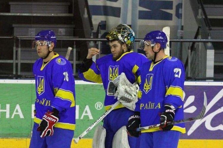 Наш хокей пробив чергове дно: збірна України опустилася в рейтингу IIHF на 26 місце, пропустивши поперед себе Румунію