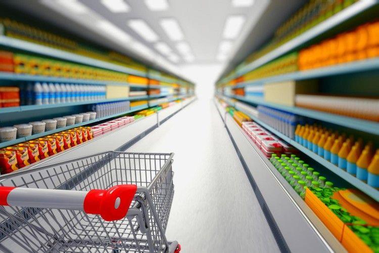 От і по закупах: сейм Польщі заборонив роботу магазинів у неділю