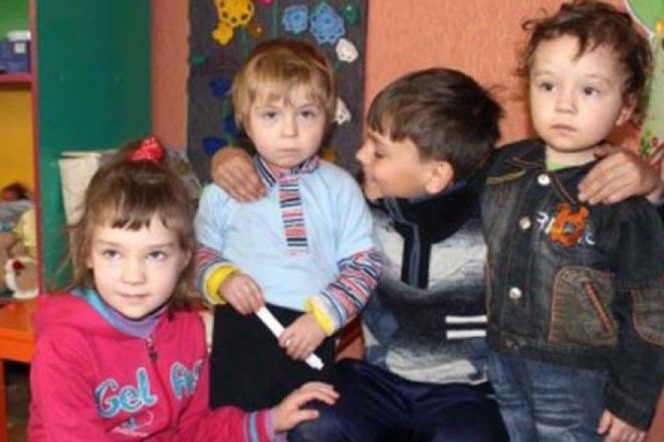 На Полтавщині 10-річний хлопчик виніс із полум'я трьох маленьких братиків