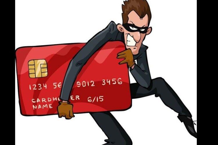 Жительку Світязя обібрав інтернет-шахрай, який представився працівником служби безпеки банку