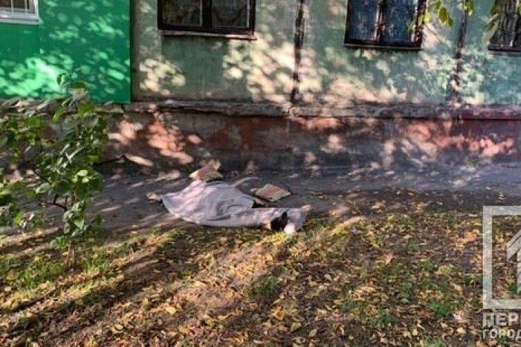 Сусіди почули гучний сплеск: жінка випала з вікна багатоповерхівки