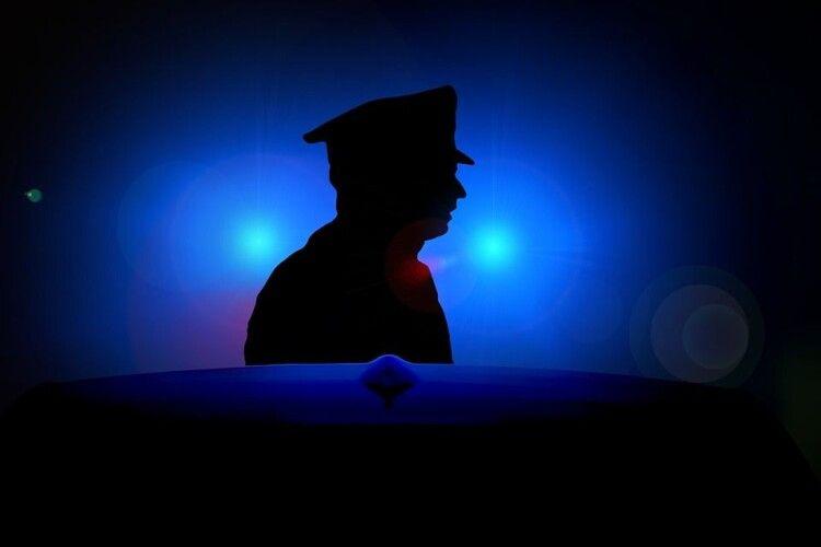 Прийшов додому й помер: продавчиня встромила чоловікові ніж у груди