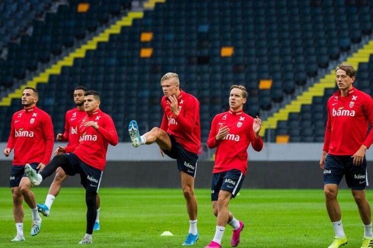 Уряд Норвегії заборонив футбольній збірній летіти на матчі Ліги націй через ризик заразитися коронавірусом