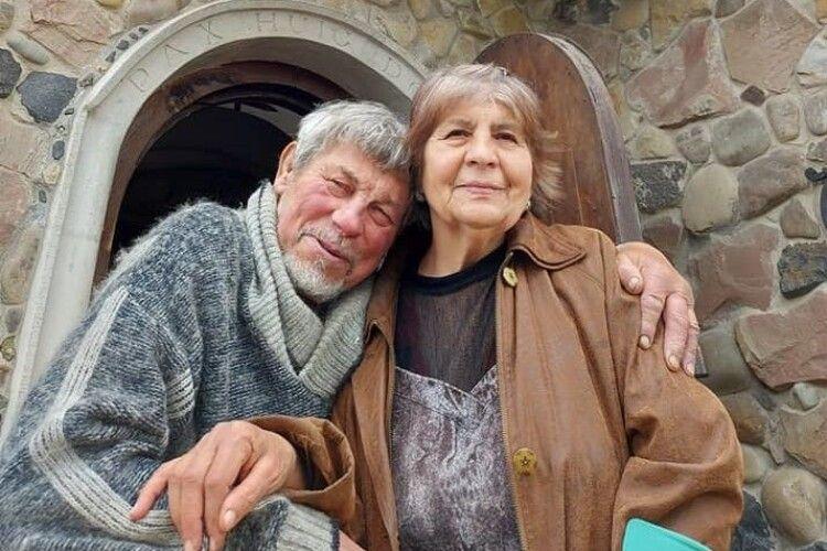 Муза і опора скульптора: Микола Головань показав свою дружину
