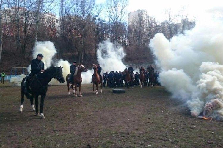 Відзавтра київські «копи» пересідають на коней (фото)