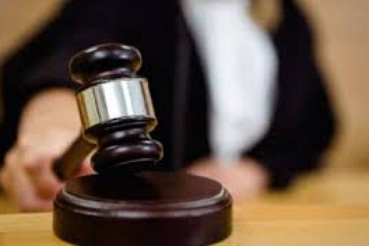 """Жителька Кустина у суді хоче довести, що """"Рівнеобленерго"""" колись приватизували незаконно"""