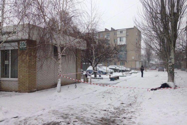 Злочинець тяжко поранив трьох українських поліцейських