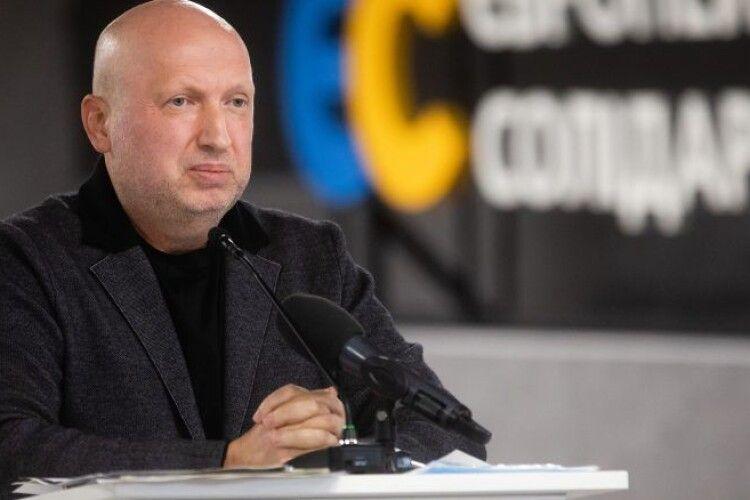 Турчинов: Блокуючи підрахунок голосів, влада намагається змінити результати виборів